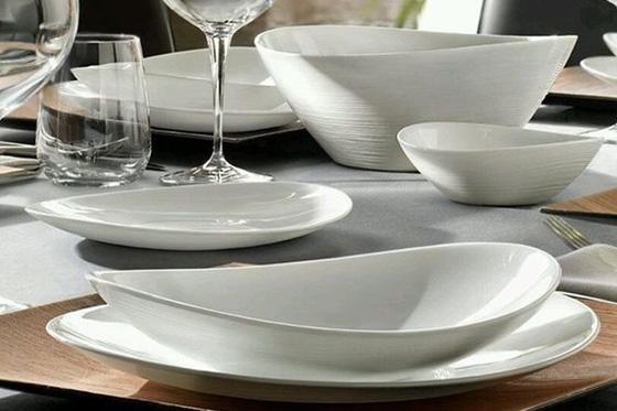 Háztartási cikkek, tányérok, tálcák, tárolók